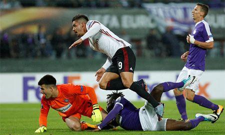'Truyen nhan cua Ronaldo' lap hat-trick, Milan dai thang - Anh 1