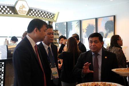 APEC 2017: Khuyen khich DNNVV tang cuong ket noi, tham gia chuoi gia tri toan cau - Anh 3