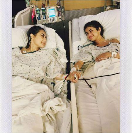 Ca si Selena Gomez mo ghep than de chua benh lupus ban do - Anh 1