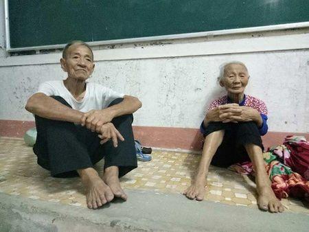 Bao giat cap 15 ap sat bo bien Ha Tinh-Quang Binh, so tan khan cap 10.000 dan - Anh 6