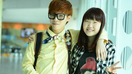 Chung nhan anh em: Chanhyuk chuan bi cho man solo cua em gai truoc khi nhap ngu - Anh 2