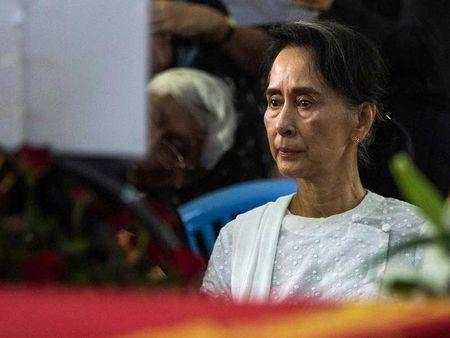 Ba Aung San Suu Kyi truoc thach thuc lon - Anh 2