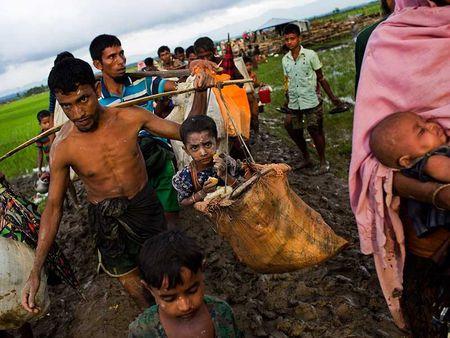 Ba Aung San Suu Kyi truoc thach thuc lon - Anh 3