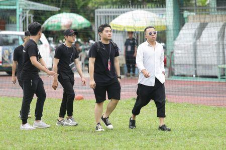 Toc Tien, Hoang Touliver tong duyet chuong trinh giua trua nang - Anh 6
