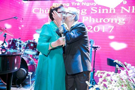 Hoai Linh, Dam Vinh Hung, Duong Trieu Vu hoi ngo mung sinh nhat me - Anh 3
