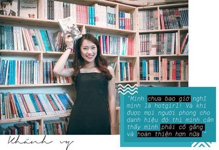Nu MC 19 tuoi cua VTV: 'Dai gia chan dai, khong trai dao duc thi van on' - Anh 1