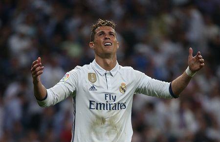 Zidane ra tay 'xu' Ronaldo, ket qua khong ngo - Anh 1