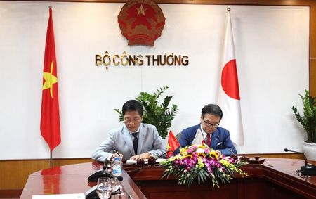 Nhat Ban cam ket cung Viet Nam phat trien cong nghiep ho tro - Anh 1