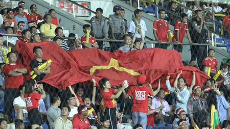 U18 Viet Nam va nhung gam mau co dong o Thuwunna - Anh 1