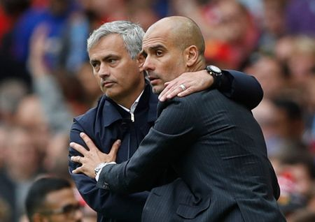 Mourinho noi Real huong loi o Champions League, Guardiola phan bac - Anh 2