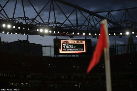 Arsenal 3-1 FC Cologne: Man nhan voi 'sieu pham' - Anh 1