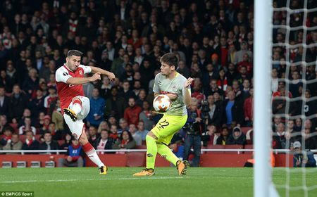 Arsenal 3-1 FC Cologne: Man nhan voi 'sieu pham' - Anh 7