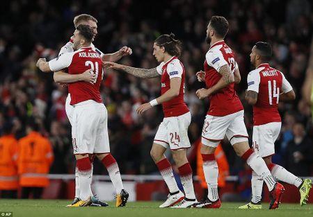 Arsenal 3-1 FC Cologne: Man nhan voi 'sieu pham' - Anh 8