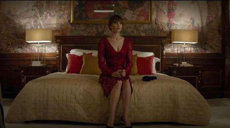 Jennifer Lawrence dien do boi nong bong trong trailer phim moi - Anh 1