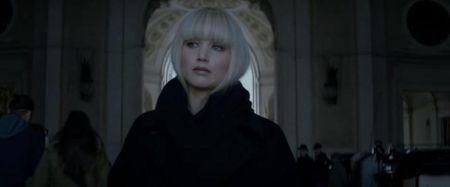 Jennifer Lawrence dien do boi nong bong trong trailer phim moi - Anh 3