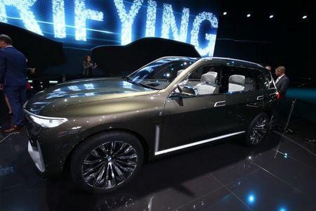 Ngam nhin BMW X7 iPerformance tai Trien lam Frankfurt 2017 - Anh 2