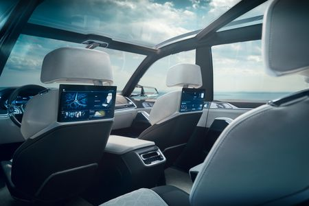 Ngam nhin BMW X7 iPerformance tai Trien lam Frankfurt 2017 - Anh 6
