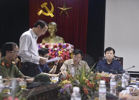 Pho Thu tuong Trinh Dinh Dung thi sat vung bao Ha Tinh - Anh 10