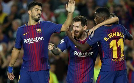 Top 10 doi bong dat gia nhat the gioi: MU bo xa Real, PSG kem Man City - Anh 7