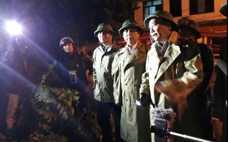 Thu tuong thi sat va chi dao khac phuc hau qua bao tai Quang Binh - Anh 1