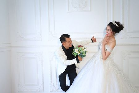 Sau 2 nam, Van Quang Long khoe anh cuoi 'vo hai' kem 10 tuoi - Anh 5
