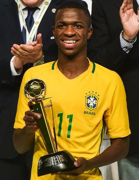 Bom tan tuoi teen Real duoc goi len tuyen Brazil - Anh 1