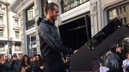 Real dut tinh voi Bale: Toa sang xong la ban cho MU - Anh 1