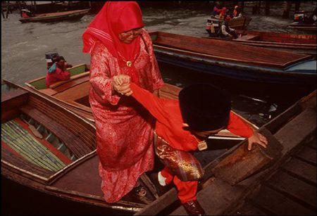 Cuoc song o Brunei nam 1992 qua ong kinh nguoi Nga (2) - Anh 11