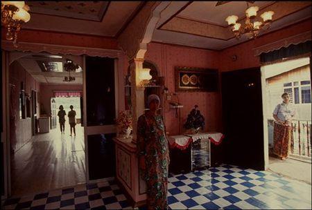 Cuoc song o Brunei nam 1992 qua ong kinh nguoi Nga (2) - Anh 2