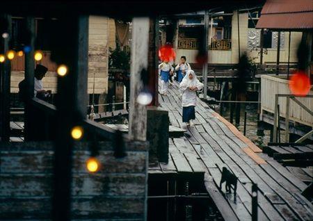 Cuoc song o Brunei nam 1992 qua ong kinh nguoi Nga (2) - Anh 6