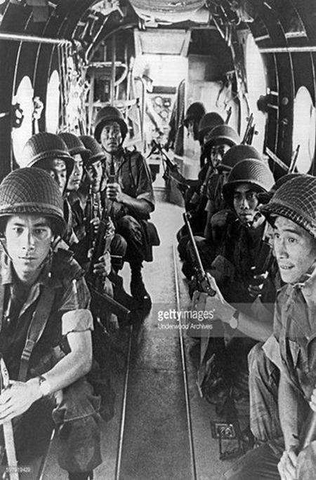 H-21: 'Ngua tho' bat kham cua My tren chien truong Viet Nam - Anh 7