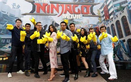Thanh Long gui loi chao toi fan ham mo cua Lego Ninjago - Anh 6