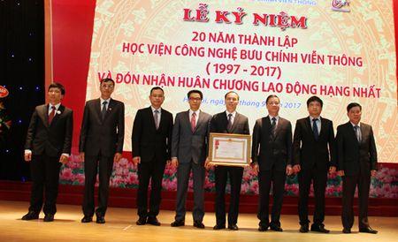 Hoc vien Cong nghe Buu chinh Vien thong don nhan Huan chuong Lao dong hang Nhat - Anh 1