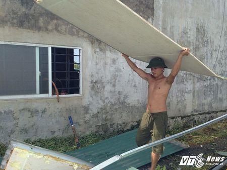 Dan Ha Tinh ngao ngan nhin canh tuong do nat, tan hoang sau bao so 10 - Anh 6