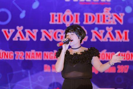 Ca si Ngoc Khue lam giam khao 'Hoi dien van nghe TTXVN' - Anh 1