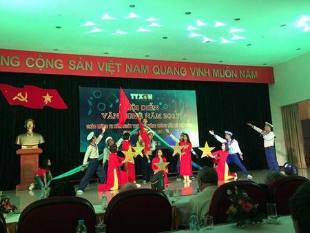 Ca si Ngoc Khue lam giam khao 'Hoi dien van nghe TTXVN' - Anh 2