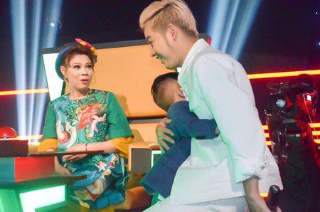 Ban trai an com binh dan cung Thanh Thao o phim truong - Anh 8