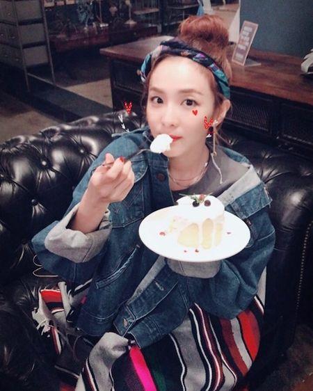 Sao Han 16/9: Dara xung danh 'thanh hack tuoi', Lisa khoe dang nguoi mau - Anh 1