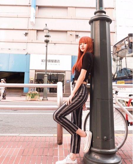 Sao Han 16/9: Dara xung danh 'thanh hack tuoi', Lisa khoe dang nguoi mau - Anh 2