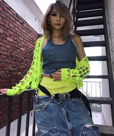 Sao Han 16/9: Dara xung danh 'thanh hack tuoi', Lisa khoe dang nguoi mau - Anh 3