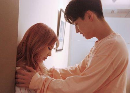 Sao Han 16/9: Dara xung danh 'thanh hack tuoi', Lisa khoe dang nguoi mau - Anh 7