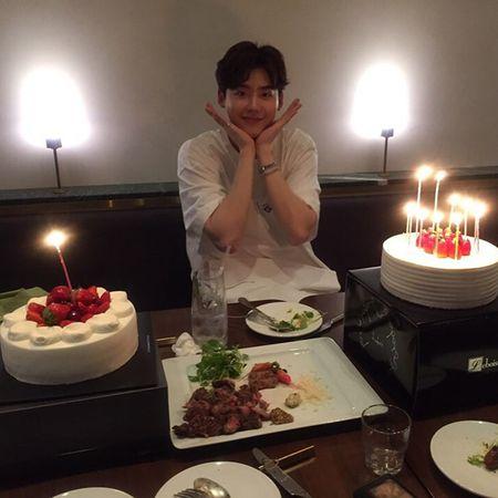 Sao Han 16/9: Dara xung danh 'thanh hack tuoi', Lisa khoe dang nguoi mau - Anh 9