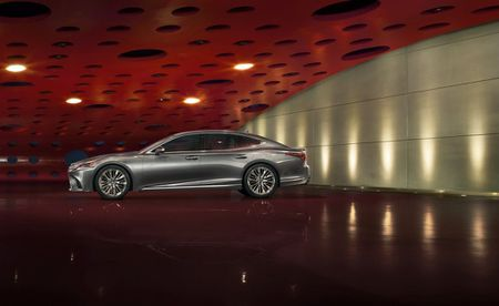 Ro ri gia ban Lexus LS 500h 2018 tu 1,71 ty dong - Anh 8
