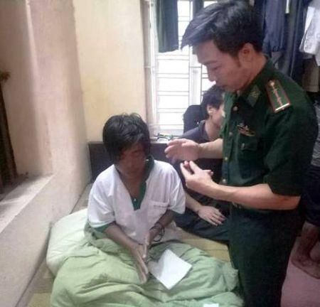 Hai thuyen vien Kien Giang song sot nho ngu dan Thanh Hoa - Anh 1