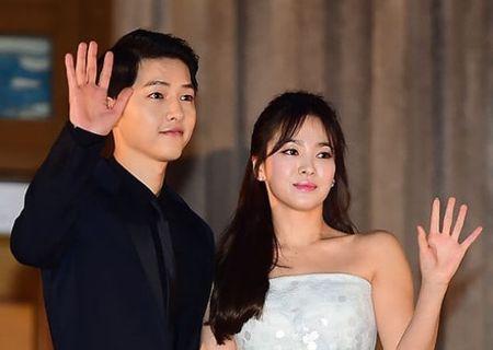Bat gap Song Hye Kyo tan huong cuoc song doc than, tranh thu tu tap ban be - Anh 4
