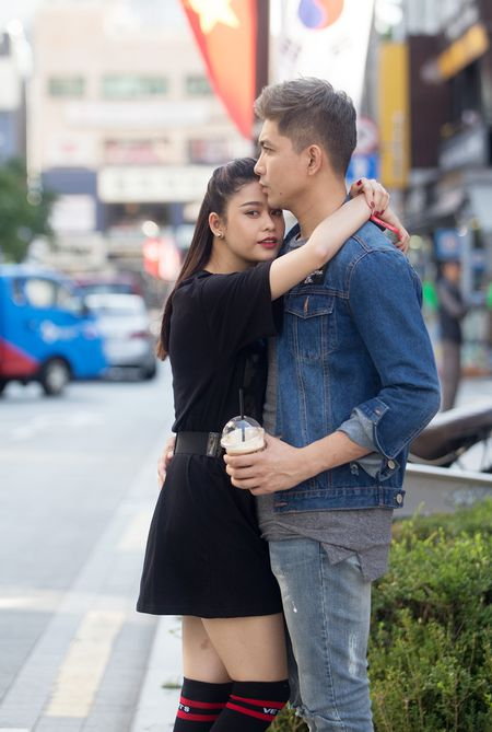 Phot lo tin don ly hon, Tim – Truong Quynh Anh om hon tinh tu tren duong pho Han Quoc - Anh 7