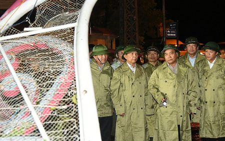 Thu tuong chi dao khac phuc hau qua bao tai Quang Binh - Anh 5