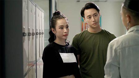 Glee Viet tap 4: Mang thai voi Huu Vi nhung Angela Phuong Trinh do loi cho Rocker Nguyen - Anh 1