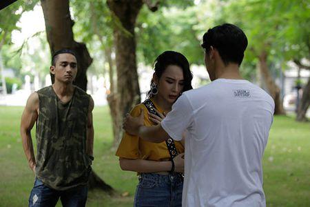 Glee Viet tap 4: Mang thai voi Huu Vi nhung Angela Phuong Trinh do loi cho Rocker Nguyen - Anh 4