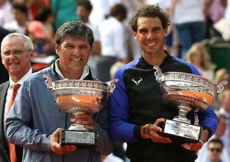 Vi ngai vang Grand Slam, Federer co dam 'bai su' chu Nadal? - Anh 1
